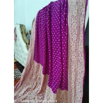 Fuchsia Banarasi georgette saree with small gold zari motifs