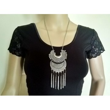 Silver tone tribal necklace - 5